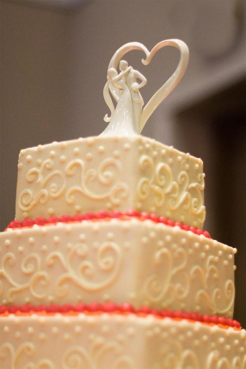 Gold Wedding Cakes - Artistic Desserts